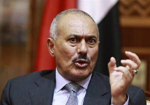 СМИ: Президент Йемена был ранен шрапнелью чуть ниже сердца