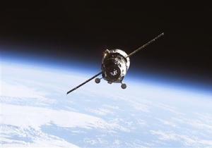 На околоземной орбите стало слишком много космического мусора