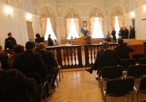 Тимошенко могут доставить в суд на носилках