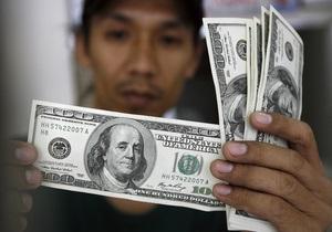 В США фургон, перевозивший деньги, растерял на ходу более $200 тысяч