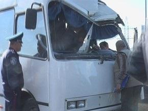 На Выдубичах перевернулся автобус, семь пострадавших