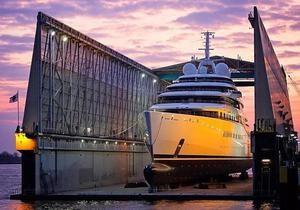 Рекорд яхты Абрамовича побит - названо новое самое крупное частное судно в мире