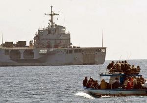 Группа нелегалов вместе с овцой прибыла в Италию из Туниса на 10-метровой лодке