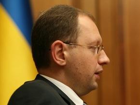 Яценюк: Любой, кто заявит, что ЧФ может оставаться, нарушит волю украинского народа