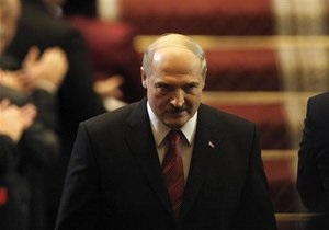 Лукашенко уволит четверть белорусских чиновников
