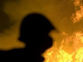 В Донецке в результате пожара погиб человек: огонь уничтожил 30 тонн табачных изделий