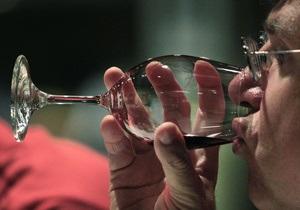 Украинцы плохо осведомлены о безопасных дозах алкоголя - специалист