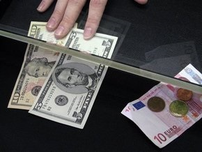 Стоимость доллара на межбанке перевалила за девять гривен