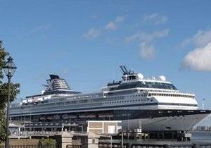 Более 300 человек на круизном лайнере в США поразила эпидемия неизвестного вируса