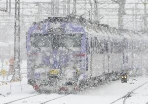 В Швейцарских Альпах сошел с рельсов пассажирский поезд