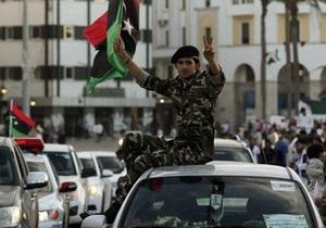 Власти Ливии взяли под контроль аэропорт Триполи