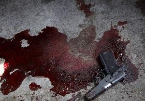 Житель Стрыя, хвастаясь пистолетом, ранил двоих человек