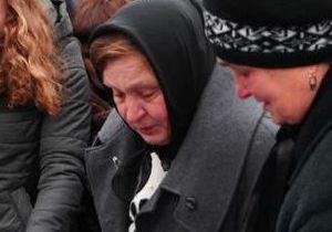СМИ: Мать Мазурка требует от милиции вернуть ей золотые украшения
