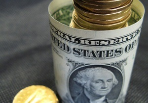 Инвесторы сбрасывают доллар и вкладывают в евро - эксперты
