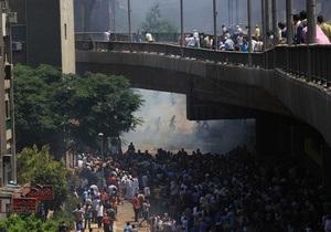 Полиция освободила две площади в Каире от протестующих