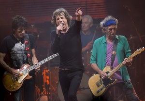Женщина родила во время концерта The Rolling Stones на Гластонбери