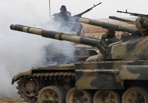 На улицы Бенгази вошли танки Каддафи