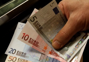 Евро на мировых рынках продолжил падение