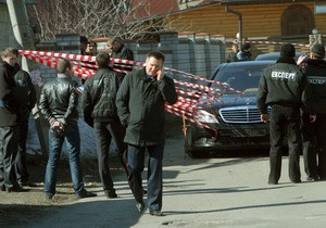 Единственный свидетель, который может опознать стрелявших в киевского банкира, лежит в реанимации