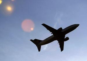 Российский самолет совершил аварийную посадку