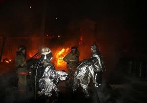 В Киеве горел склад с автокраской