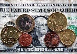 Евро растет на межбанке третий день кряду