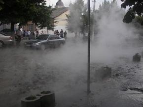 СМИ: Киевлянам до сих пор не компенсировали ущерб от аварии водопровода на Троещине