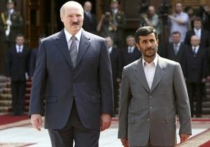 Ахмадинеджад поздравил Лукашенко с победой на выборах