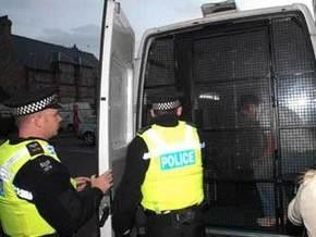 Голландский грабитель по ошибке сел в полицейскую машину
