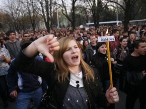 СМИ: Молдавские демонстранты подожгли здание администрации президента