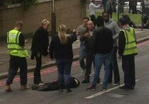 Теракт в Лондоне: Убийцы сами попросили вызвать полицию
