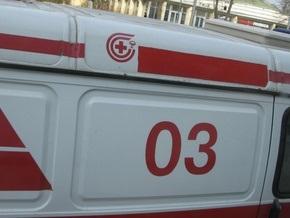 В Киеве из окна высотки выпала девушка
