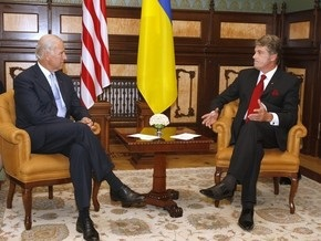 Байден: США поддерживают стремление Украины вступить в НАТО