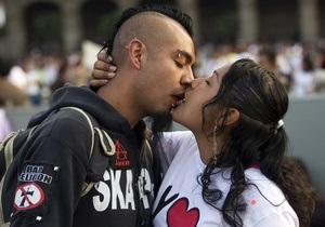 Ученые доказали, что любовь на самом деле сводит с ума