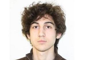 Операция по поимке бостонского террориста: В окруженном полицией доме произошли взрывы