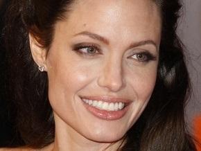 СМИ: Джоли снова беременна