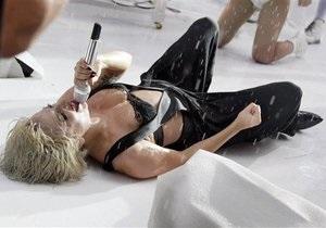 Lady GaGa предстоит серьезная операция на ноге