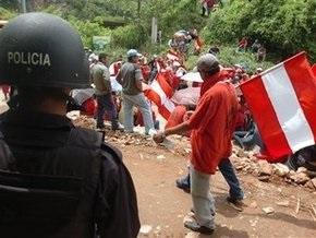 Селайя возвращается в Гондурас. В стране продолжаются акции протеста