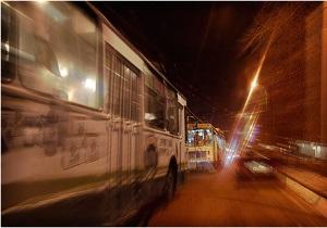В Киеве Chevrolet врезался в троллейбус с пассажирами