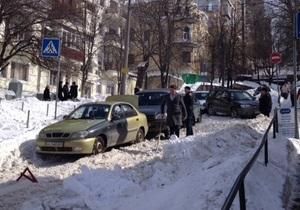 В центре Киева столкнулись пять автомобилей