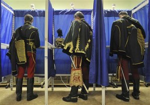 В Венгрии пришлось продлить время работы избирательных участков