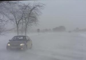 В Крым на помощь местным спасателям отправляется снегоуборочная техника из шести областей