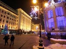 Резиденцию Ющенко украсили снеговики и резиновый пупс