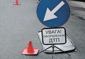 В Киеве на Броварском проспекте столкнулись три автомобиля, один человек погиб