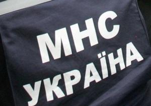 Сегодня в Киеве два авто провалились под асфальт