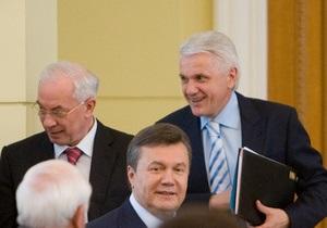 Литвин похвалил Азарова за работу