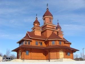 Теплый пол становится незаменимым для деревянных храмов