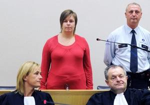 В Бельгии начался суд над женщиной, которую подозревают в порче парашюта подруги из ревности