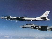 Российские бомбардировщики подняли в воздух палубные истребители США