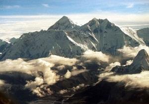 Мировой рекорд: Непалец 32 часа провел на вершине Эвереста